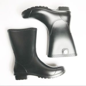 UGG Sienna Matte Black Short Pull On Rain Boot